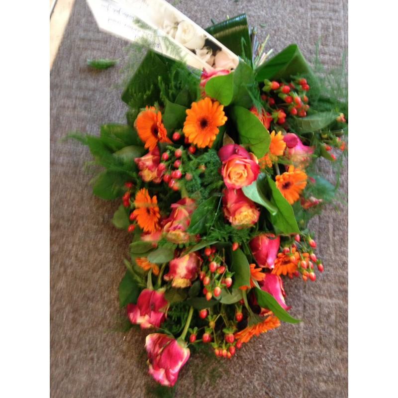 Oranje rouwboeket